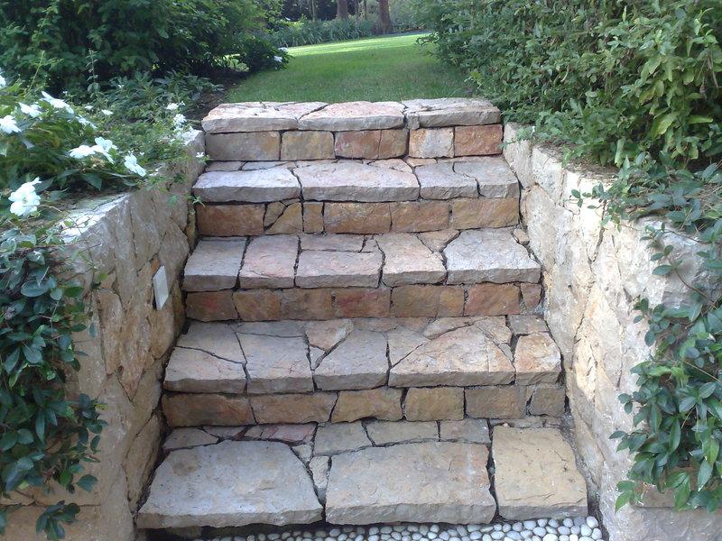 Pavage et dallage escaliers de jardin for Escalier de jardin en pierre